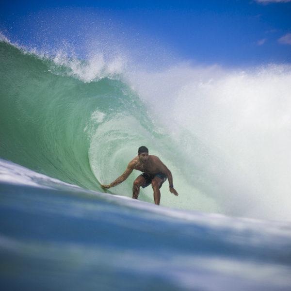 dion-atkinson-surfing-lacanau-barrel-tube-riding-sebastien-huruguen-surf-photographer-bordeaux-france-lacanau-16-08-2012