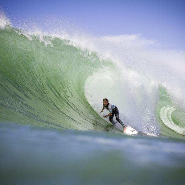 peterson-crisanto-billlabong-surfer-surfing-lacanau-barrel-tube-riding-sebastien-huruguen-surf-photographer-bordeaux-france-lacanau-16-08-2012