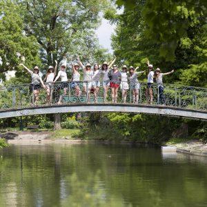 seance-photo-EVJF-sebastien-huruguen-photographe-mariage-bordeaux-jardin-publique-groupe-pont-etang