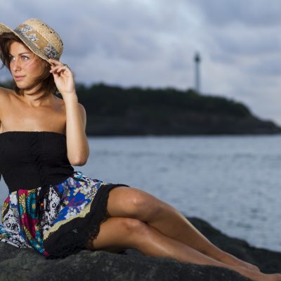 Marion-Sebastien-Huruguen-Fashion-Studio-Beach-Anglet-Plage-Girl-Dress-Summer-France-Hat-model-woman