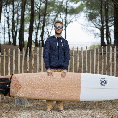 photographe-mode-bordeaux-lifestyle-book-ambiance-portrait-surfer-longboard-sud-gironde-foret-sebastien-huruguen
