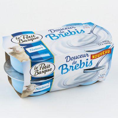 douceur-de-brebis-nature-le-petit-basque-packshot-produit-fond-blanc-sebastien-huruguen-bordeaux