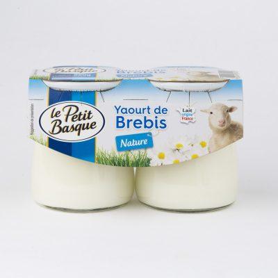 packshot produit le petit basque yaourt brebis nature