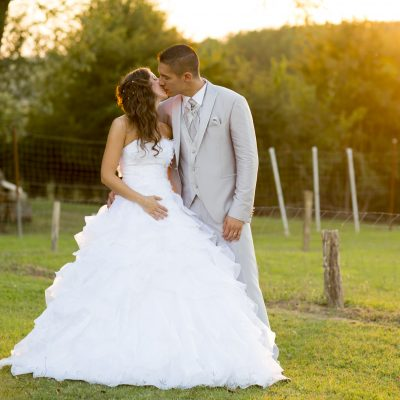photographe-mariage-bordeaux-sebastien-huruguen-couple-coucher-de-soleil-robe-mariee