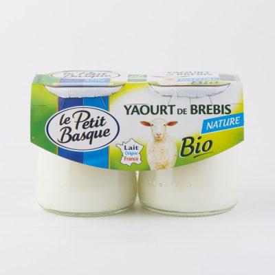 yaourt-de-brebis-nature-bio-le-petit-basque-packshot-fond-blanc-packaging-sebastien-huruguen