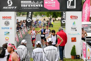 Gérard Alblois Gaetan Esseric terminent le Scott Half Triathlon - Lacanau Tri Events 2016 | Sébastien Huruguen www.huruguen.fr