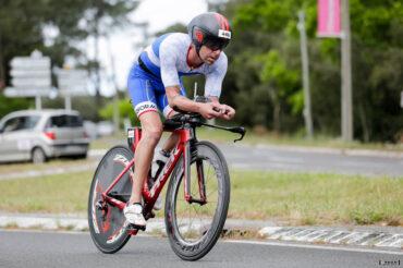 Etienne Barbet sur son vélo TREK sur le Scott Half Triathlon - Lacanau Tri Events 2016 | Sébastien Huruguen www.huruguen.fr