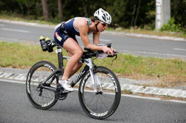 Manon Genet sur son vélo BMC Scott Half Triathlon - Lacanau Tri Events 2016 | Sébastien Huruguen www.huruguen.fr