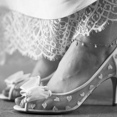 Line&Lune-bijoux-mariage-show-room-mariage-bordeaux-sebastien-huruguen-photographe-robe-LoraFolk-Felicie-Oh-Oui-chaussures-escarpins-talons-coeurs-noeuds