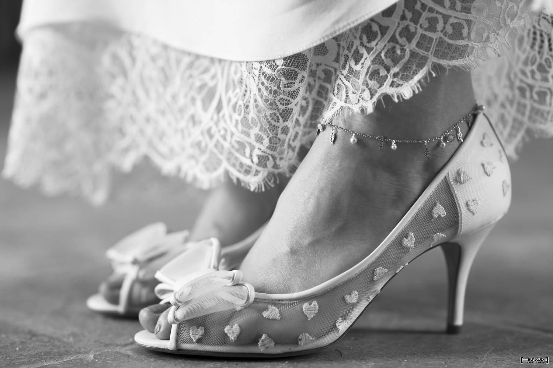 mariage, bordeaux, aquitaine, gironde, sebastien huruguen, photographe mariage, photographe mariage bordeaux, escarpin de mariage, escarpins mariée, coeurs, noeus, talons,