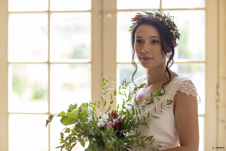 mariage, bordeaux, aquitaine, gironde, sebastien huruguen, photographe mariage, photographe mariage bordeaux, mariée, portrait, couronne de fleurs, bouquet, maquillage, robe de mariée, belle mariée