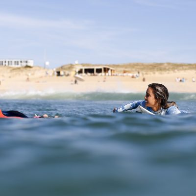 Hawai surfer girls Alessa Quizon and Carissa Moore all smiles ladies in Hossegor for the Roxy Pro France - Quik Pro France 2016 | Sebastien Huruguen www.huruguen.fr