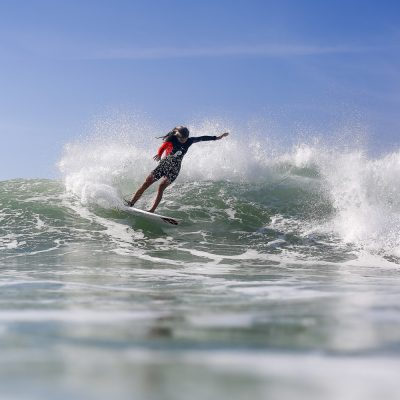 Protest surfer girls in Hossegor - Quik Pro France 2016 | Sebastien Huruguen www.huruguen.fr