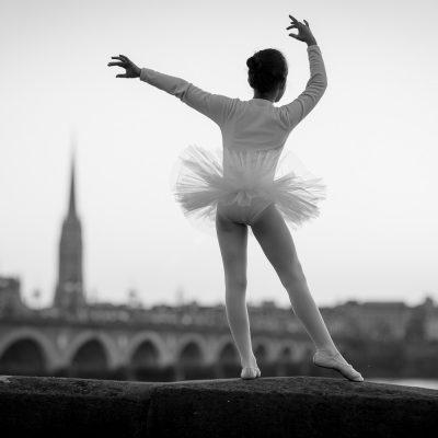 dance-pont-de-pierre-bordeaux-sunset-danse-classique-tutu-moderne-ballerine-sebastien-huruguen-photographe