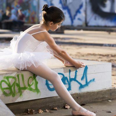 danseuse-bordeaux-darwin-ballerine-tutu-skatepark-portrait-sebastien-huruguen-photographe