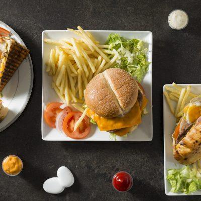 photo-culinaire-bordeaux-sebastien-huruguen-restaurant-uber-eats-ouiflash-presentation-menu-carte-plats-vue-zenithale-verticale