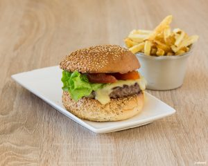 photographe-culinaire-bordeaux-sebastien-huruguen-burger-fromage-frites-packshot